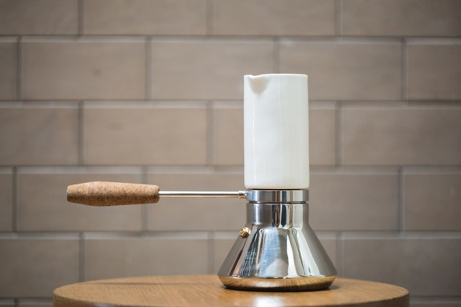Joey-Roth-Blue-Bottle-Coffee-Pot-remodelista