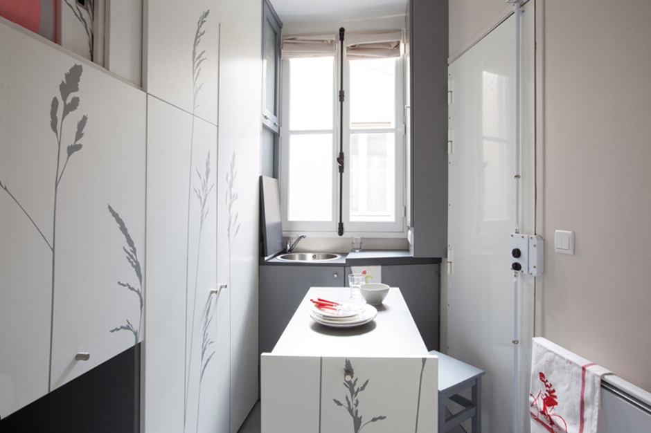 kitoko-studio-8-sqm-tiny-apartment-paris-designboom-02 pic fabienne delafraye