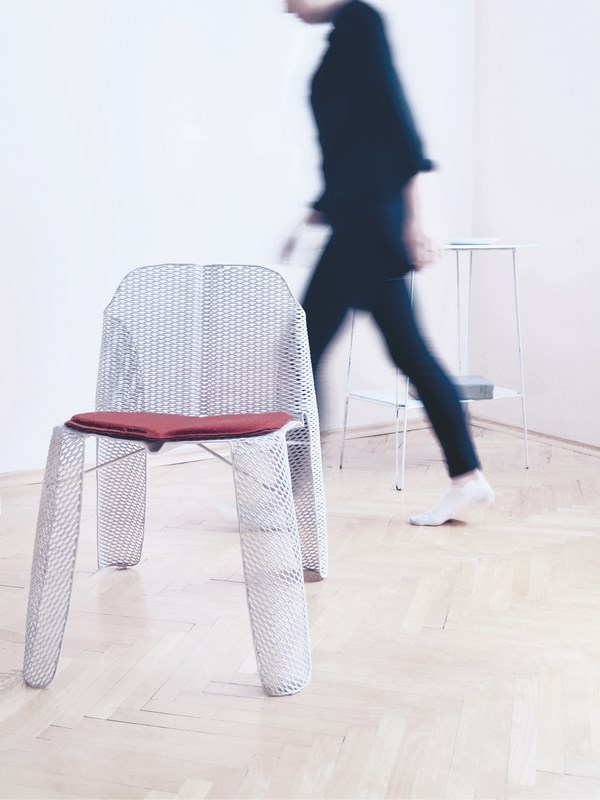 make-me-alicja-palys-transparent-chair-lodz-design-festival-2015-1